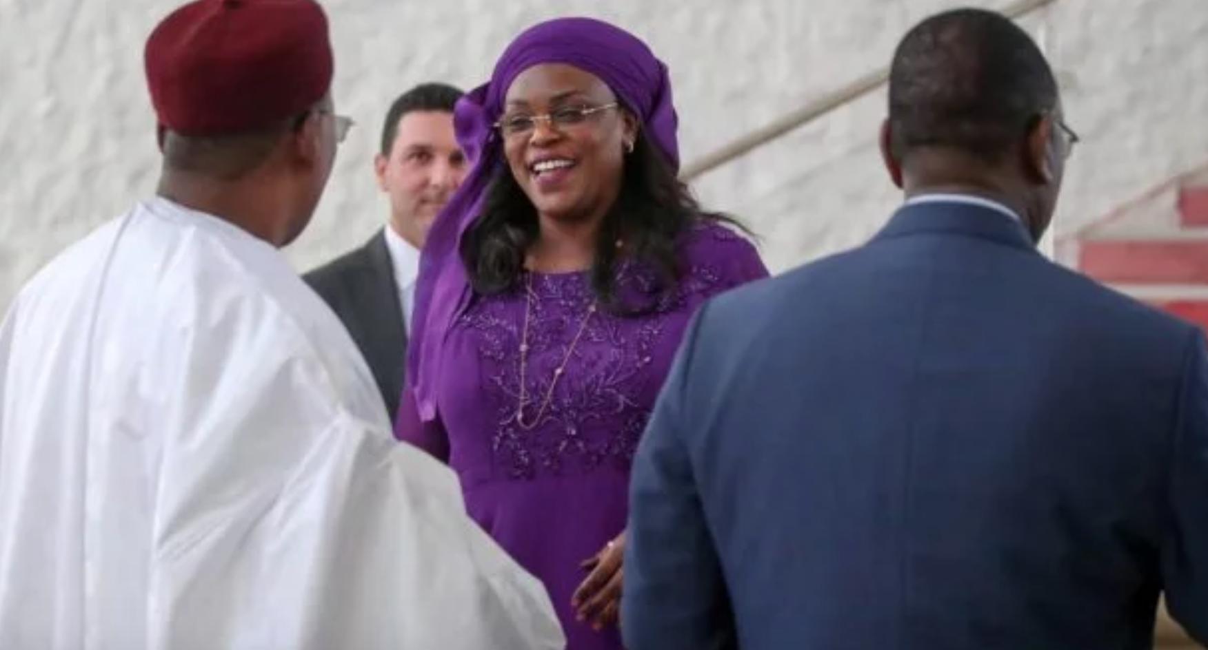 Investi dans sa fonction de président du Sénégal: Macky Sall reçoit les félicitations de Marième Faye Sall et ses enfants