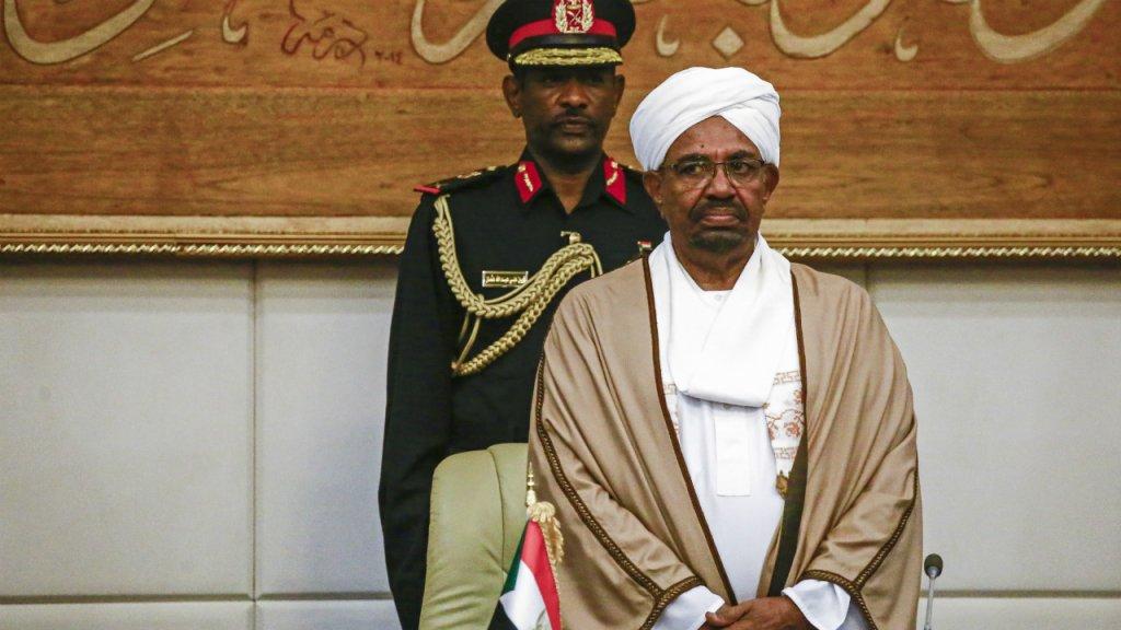 """Au Soudan, le mouvement de contestation exige un gouvernement civil """"immédiatement"""