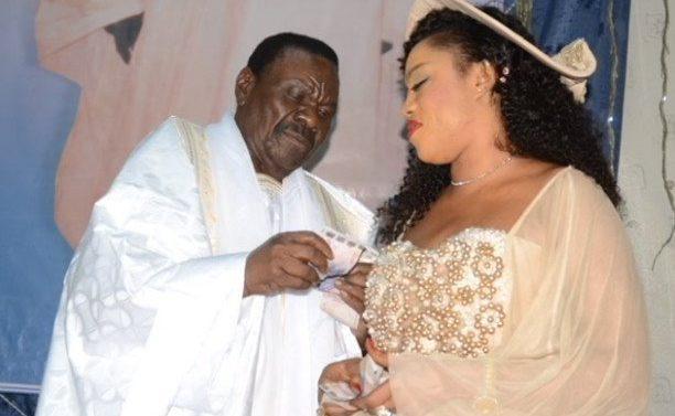"""""""Kawtef"""" ! Regardez, les pas de danse des ...veuves de Cheikh Béthio !"""