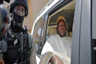Gambie: 8 militaires condamnés pour complot contre le président Barrow