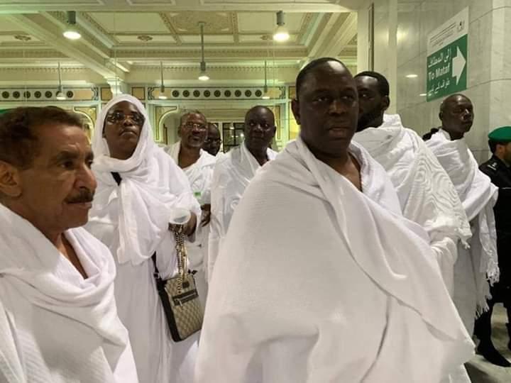 Arrêt sur image- Les deux amis transitaires Serigne Fallou, Martin Ndiaye et  Malick  Seck à la MECQUE!