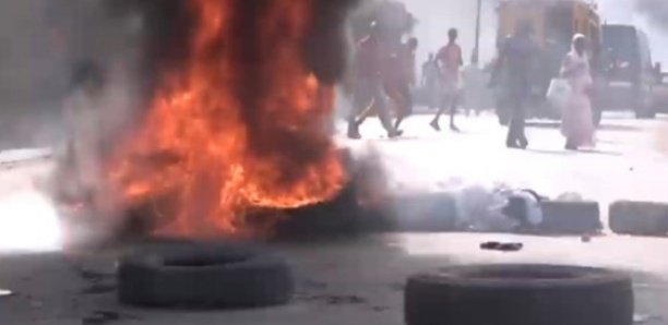 URGENT - Manifestation à KOUNGHEUL (Kaffrine): La gendarmerie Nationale saccagée !