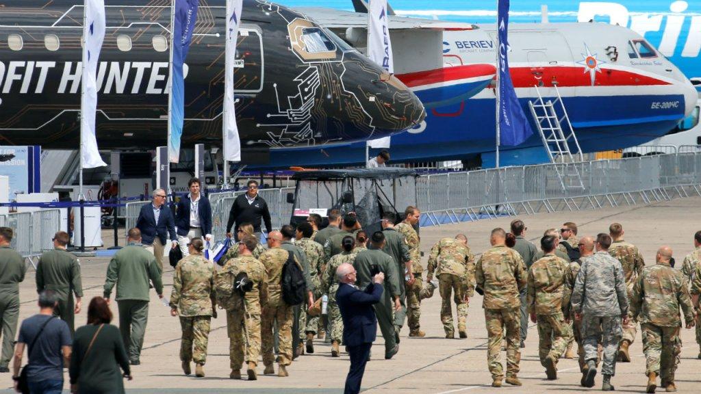 Salon du Bourget : Boeing en retrait, Airbus présente un nouvel avion