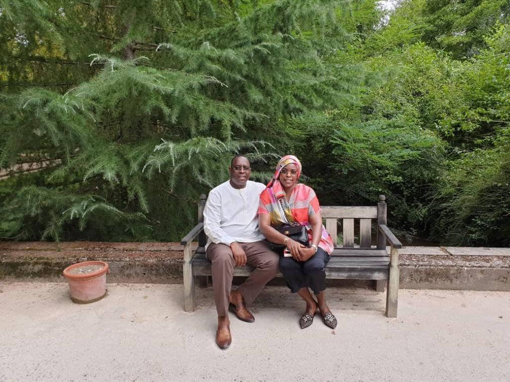 Comment le couple Présidentiel du Sénégal passe ses vacances à Biarritz