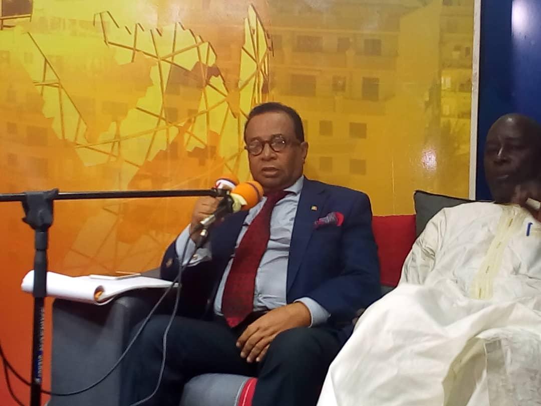 """Lancement officiel de l'école du parti de la coalition ADIANA:  Ecoutez le professeur Benoit Ngom sur """" la laïcité et la responsabilité des africains"""""""