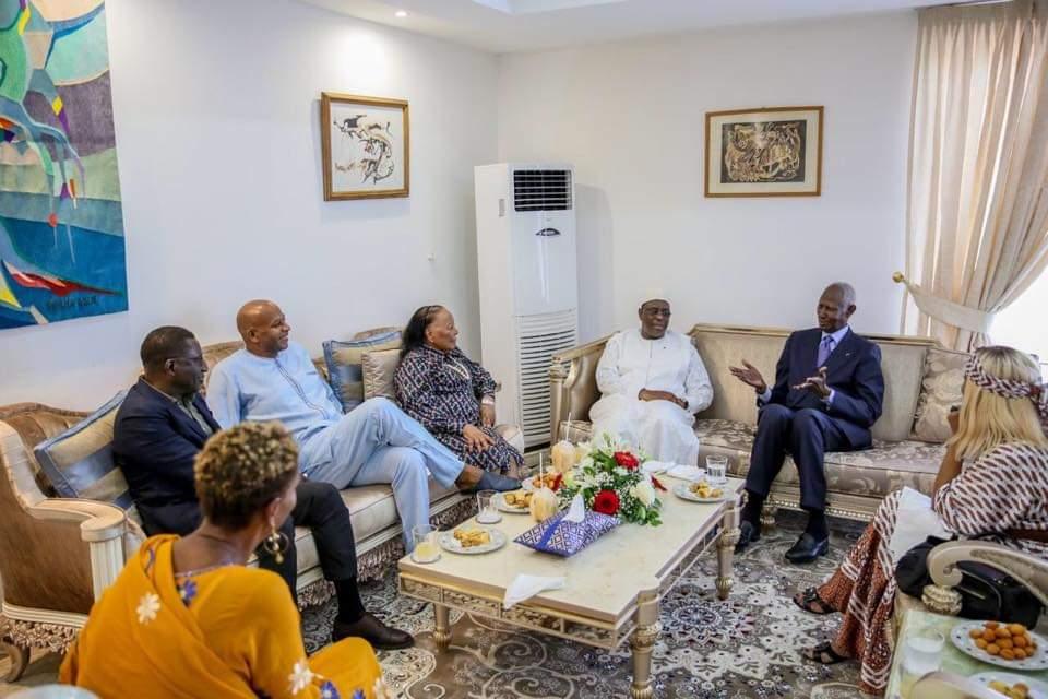 Le chef de l'Etat Macky Sall a rendu visite à l'ex Pr Abdou Diouf