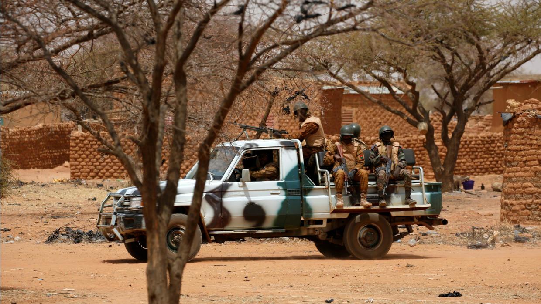 Burkina Faso: trois soldats tués dans l'attaque d'un détachement militaire à Kelbo, dans le nord