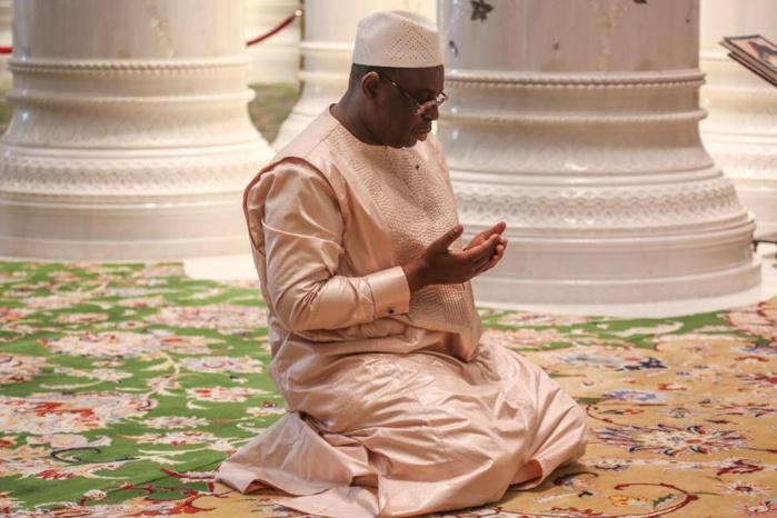 AID EL FITR : Le Président Macky Sall va prier chez lui.