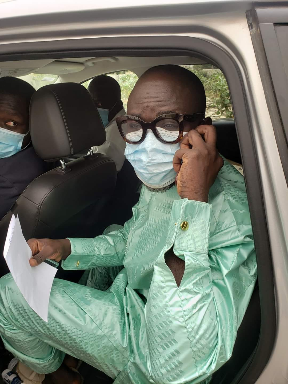 Arrêt sur image! Le journaliste Cheikh Yerim Seck juste après sa libération