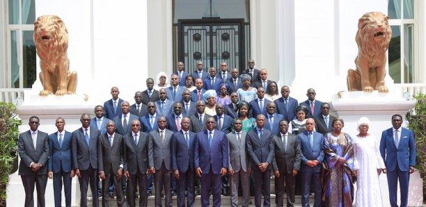 GOUVERNEMENT :Pas de vacances pour les ministres
