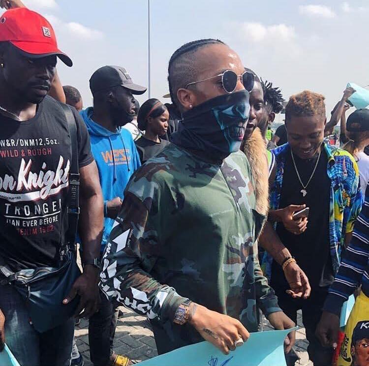 Violences policières au Nigeria 🇳🇬  Les artistes se sont fortement mobilisés pour manifester leur mécontentement au nom du peuple!