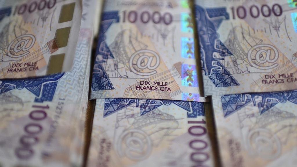 Banque agricole de Keur Massar : La caissière A. Nd. et son ami charlatan accusés d'avoir pompé 94 millions de FCfa des caisses.