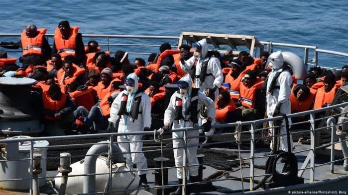 Îles Canaries : 4.000 migrants se fondent dans la nature...