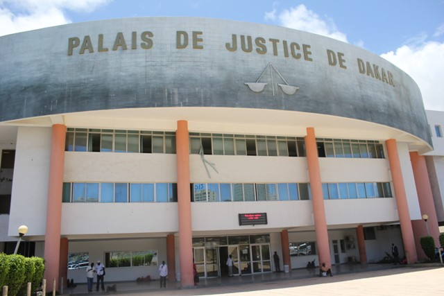 Mamadou Diallo à la barre : les sanglots d'un homme jugé pour escroquerie, injures envers le maire de Ngor…