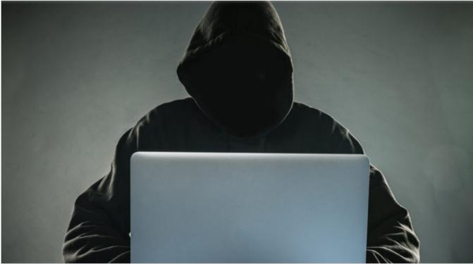 """Affaire Sweet Beauté : Comment la """"cyber-patrouille"""" de la police traque les """"Sonko Boys"""" sur Internet"""