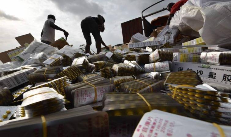 TROIS CAMIONS CHARGÉS DE FAUX MÉDICAMENTS INTERCEPTÉS, 2 PHARMACIENS ARRÊTÉS