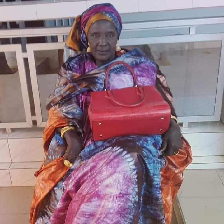 """Décès de la maman du Directeur des Domaines, Mme Aminata Niang dite """"Yaye Boye""""- Koldé consternée"""