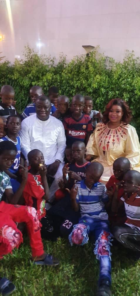 Korité: Le maire Abdoulaye Baldé en toute simplicité avec les talibés chez lui