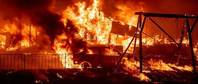 Un gigantesque incendie ravage l'Ouest des États-Unis