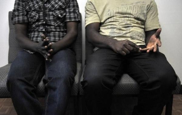 """Scandale homosexuel à Guédiawaye : 7 """"goor-jigeen"""" arrêtés en pleins ébats par la Police"""