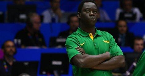 """Cheikh Sarr, coach des Lions du basket: """"Mohamed Faye est comme un cancer, il faut s'en débarrasser"""""""