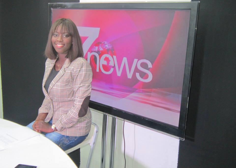 Aminata Thiam jeune journaliste présentatrice du 20 heures sur la chaîne Africa7 : Un talent plein d'avenir
