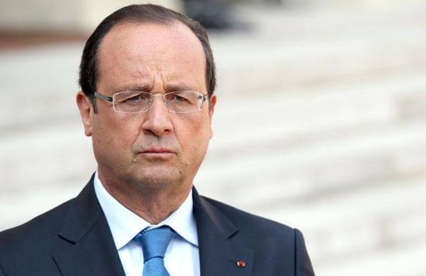 """Fusillades à Paris: """"C'est une horreur"""", estime François Hollande"""