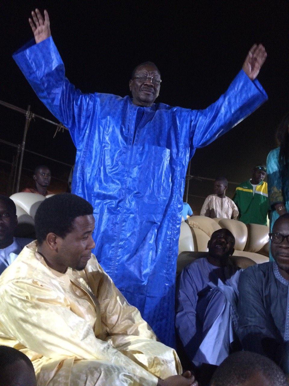 Après Youssou Ndour, Bougane Guèye Dani s'est également agenouillé aux pieds de Cheikh Béthio Thioune