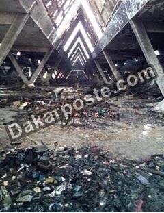 Incendie : Le Pavillon vert réduit en cendres, la foire de Dakar évacuée (images)