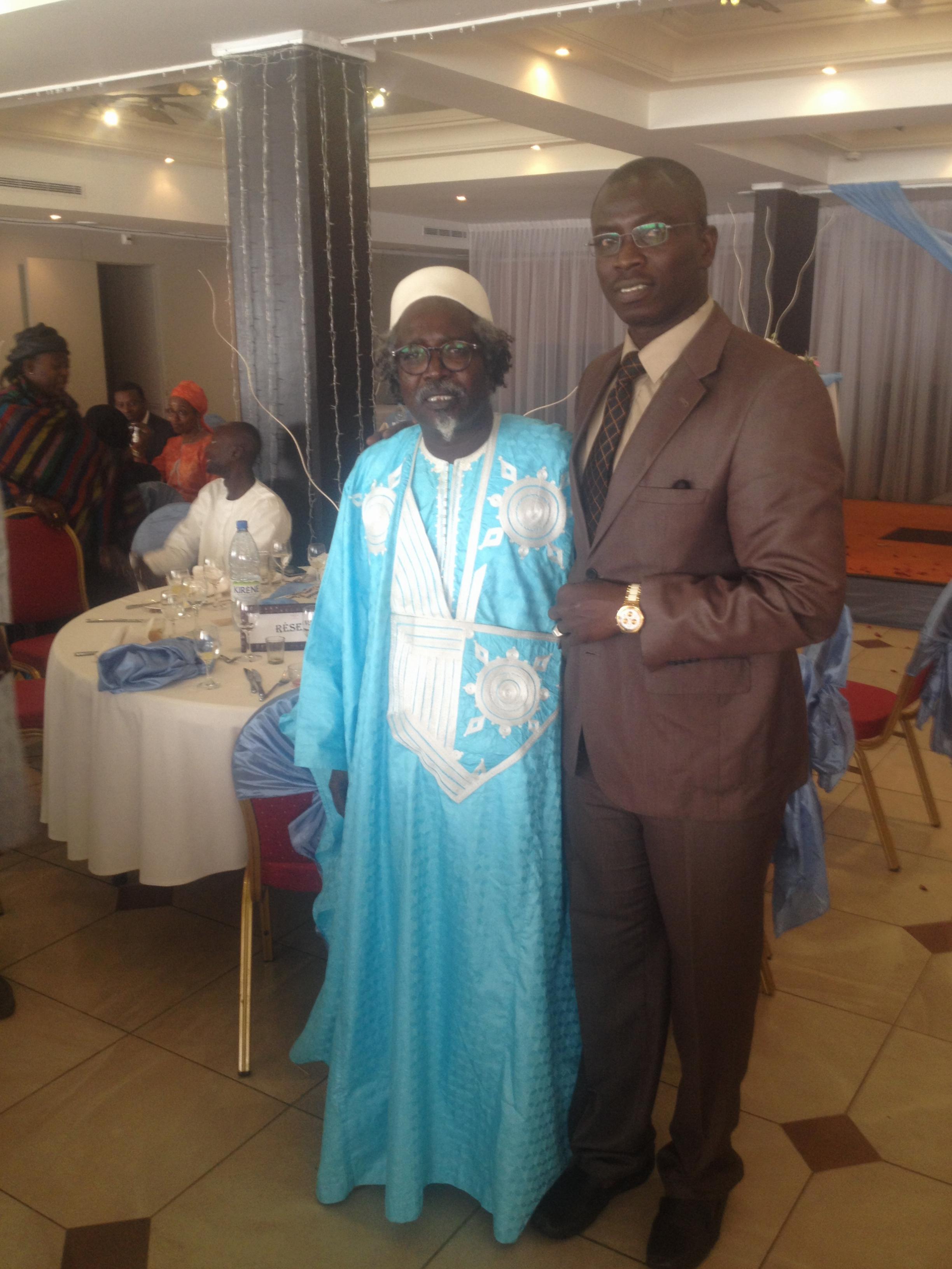 Notre confrère Boubacar Kambel Dieng à côté du doyen Ndour