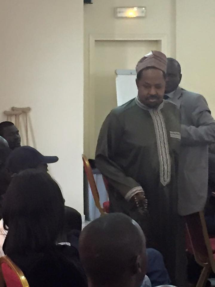 "Ahmeth Khalifa Niass à son arrivée ce lundi à l'hôtel ""Le Ndiambour"""