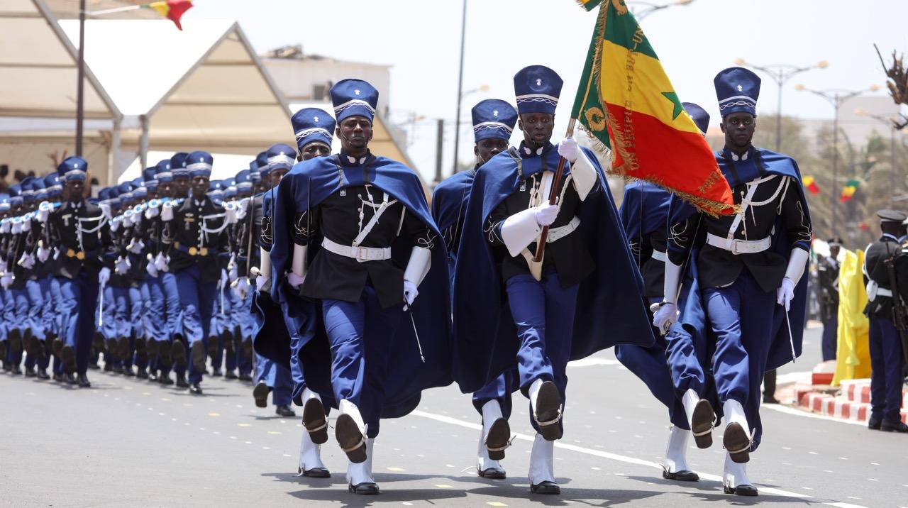 Les images du défilé du 4 avril 2016 sur le mythique boulevard Général De Gaulle de Dakar