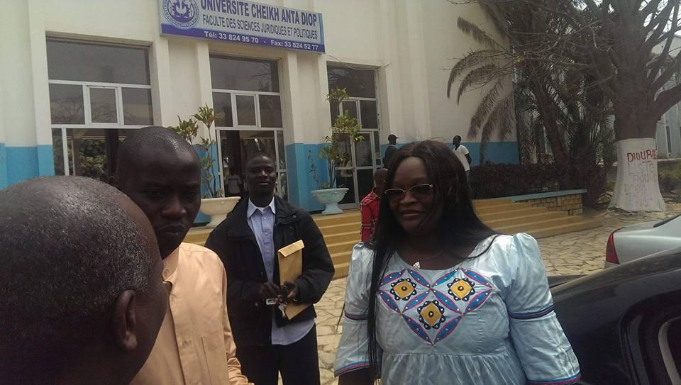 Mme le ministre Fatou Tambedou reprend des cours  à l'UCAD