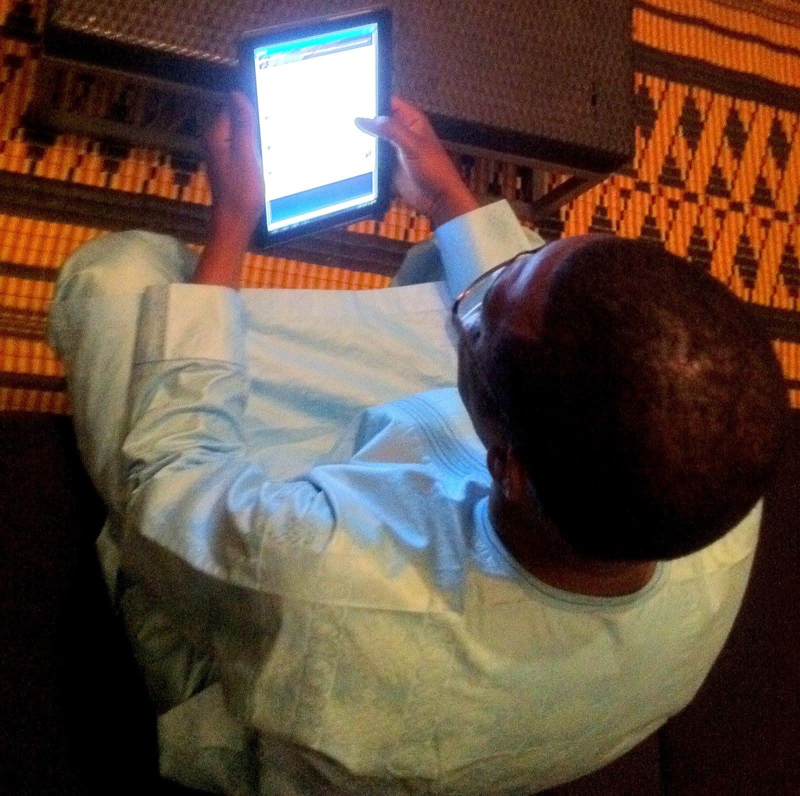 """Youssou Ndour: """"Être sur les réseau sociaux c'est suivre le rythme du monde..."""""""