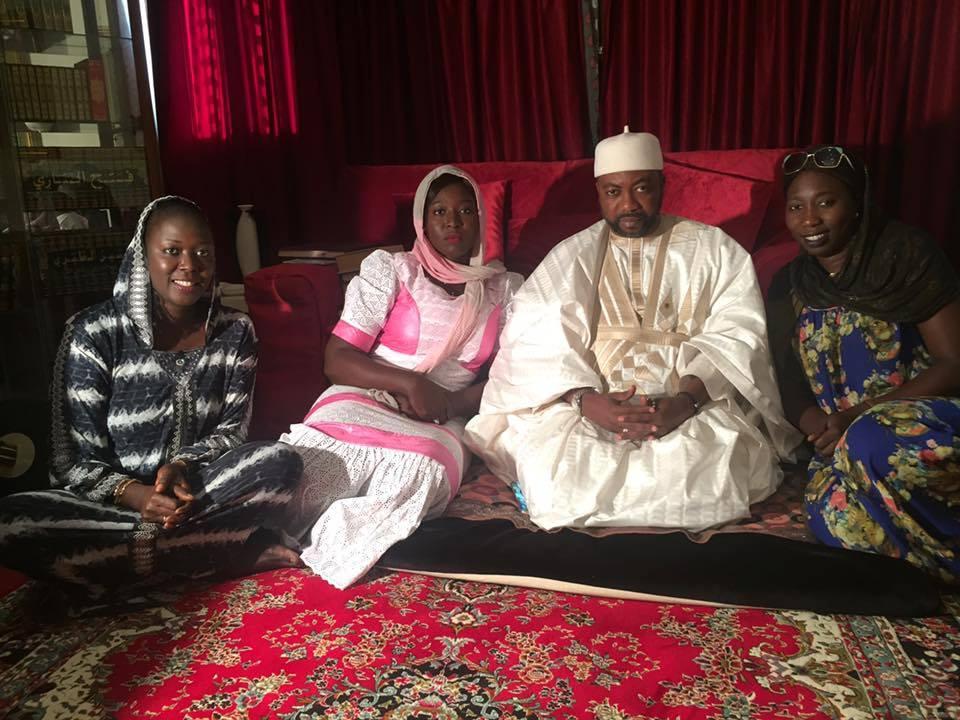 Quand des jeunes filles du Pds rendent visite à Cheikh Alassane Sène