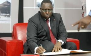Macky Sall envoie une lettre de félicitations au président Barrow