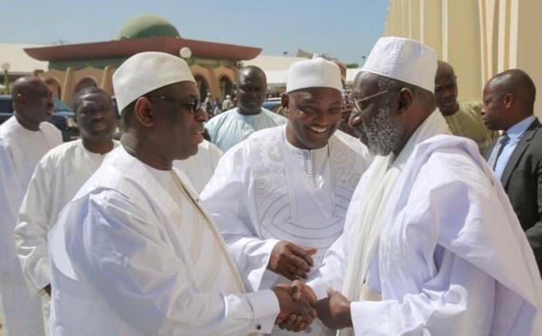 Les images de la prière du vendred des Pr Barrow et Sall  à la mosquée Omarienne