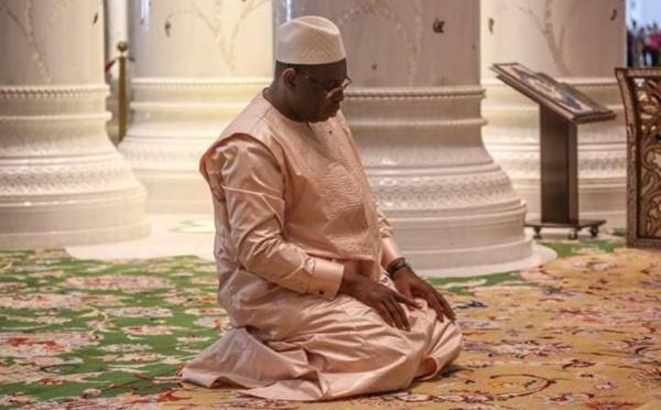 Cette prière du Pr Macky Sall qui affole la toile! (vidéo)