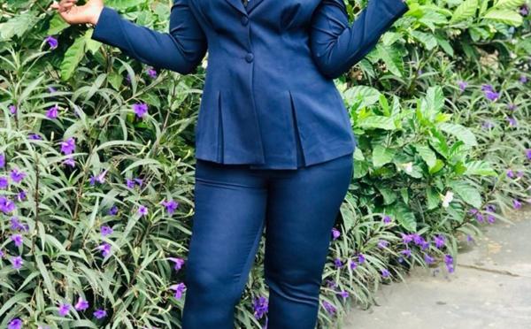 Kewe Sene la présentatrice de l'émission carte postale sur la 7tv aux formes généreuses