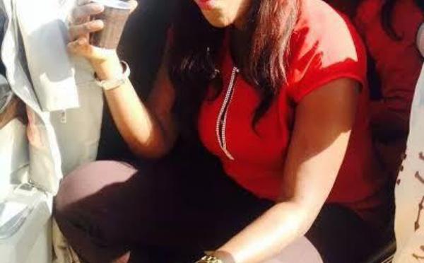 """Arrêt sur image      La députée Sira Ndiaye Diouf en mode """"Ndeeki"""""""