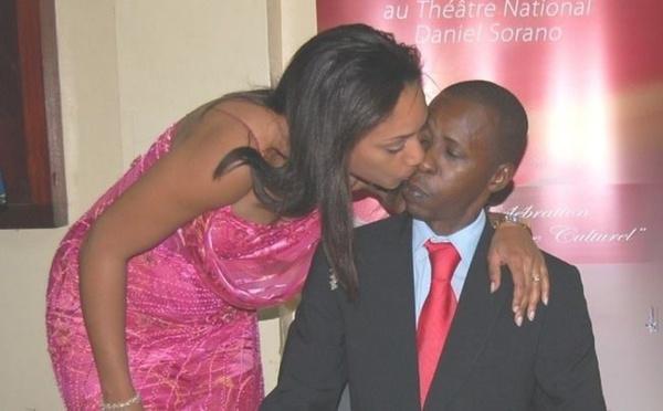 Photos- Le milliardaire Cheikh Amar en toute complicité avec sa douce moitié Marie, un couple qui fait rêver. Regardez