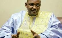 Urgent: Annoncé à l'instant à l'aéroport de Dakar Adama Barrow s'apprête t-il à rentrer en Gambie ?