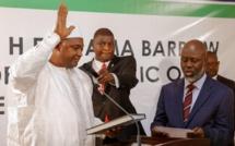 Gambie: Adama Barrow investi, les troupes sénégalaises franchissent la frontière