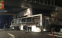 Au moins seize morts dans un accident de car dans le nord de l'Italie