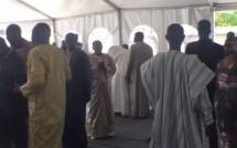 Suivez S.E M. Macky Sall, le président de la République présenter ses condoléances à Samuel Sarr, ancien ministre de l'Energie, en direct sur leral.net
