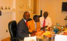 Arrêt sur image!   Le défunt Kader Mbacké en compagnie de l'artiste interplanétaire Akon