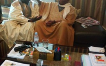 Wade reçoit Serigne Assane Mbacke et joue au...marabout en priant pour ce farouche opposant au régime de Macky