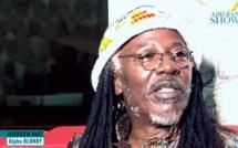 Alpha Blondy sonne la révolte: «assiégez toutes les ambassades Libyennes dans vos pays respectifs »