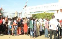 (8 photos) – Grande mobilisation des partisans de Khalifa Sall au tribunal…