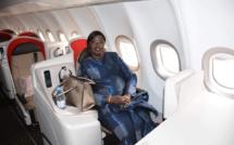 """Le ministre du Transport Aérien, Maïmouna Ndoye Seck """"teste""""  AIR SENEGAL après sa commercialisation !"""